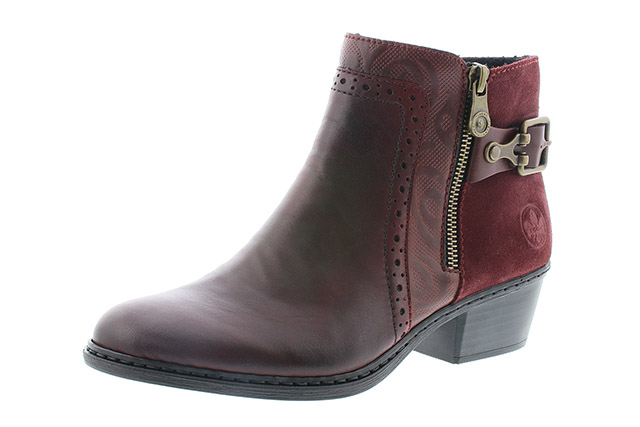 closer at new arrival online retailer Urban Shoe Company